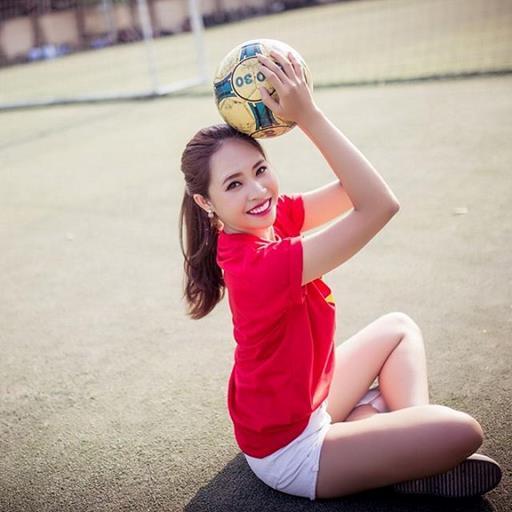 Cận cảnh nhan sắc nàng MC duyên dáng mê tít đội tuyển U23 Việt Nam