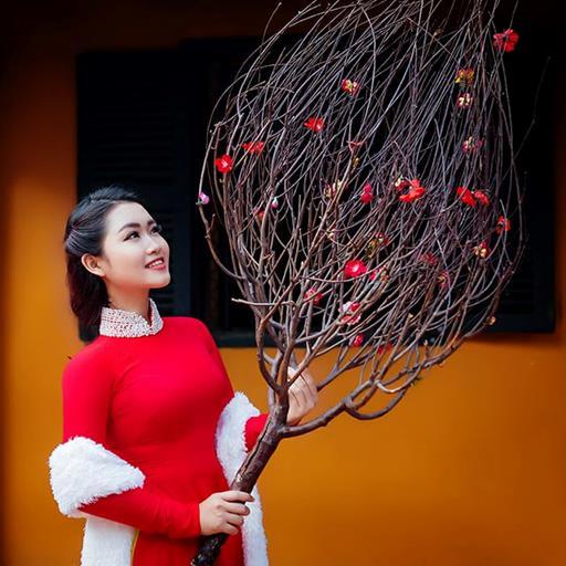 Ngắm người đẹp thướt tha áo dài đỏ trong bộ ảnh Tết 2018
