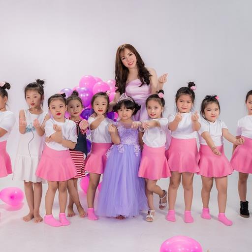 """Luồng gió mới cho ngành giáo dục với MV ca nhạc thiếu nhi """"A Ă Â"""" của cô giáo kiêm ca sĩ Đỗ Tuyết Nhi"""