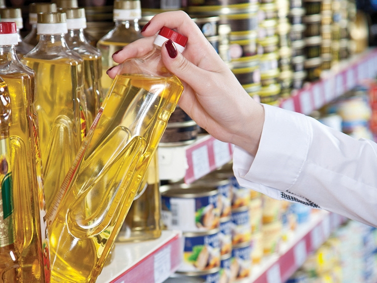 Thị trường dầu ăn: Nội ngoại đua tranh