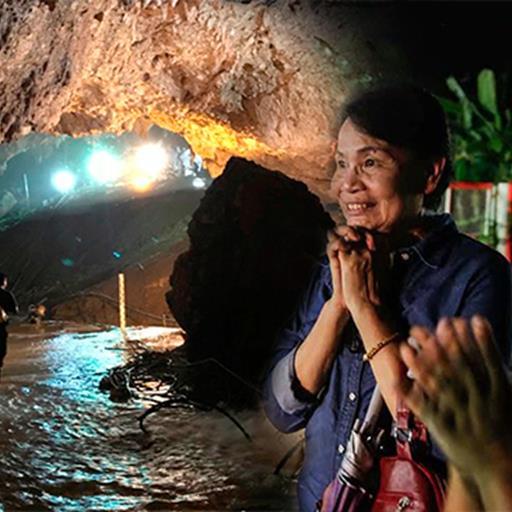 Chuyện chưa kể về huấn luyện viên và đội bóng nhí Thái Lan: Phép màu giữa hang sâu