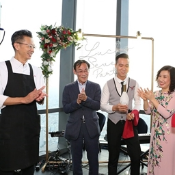 Ra mắt món bò cực phẩm trứ danh Nhật Bản 'Snow Aging Wagyu' tại Nhà hàng Ussina Sky cùng sự xuất hiện của những nhân vật đặc biệt