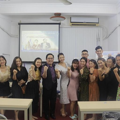 """Diễn giả Lê Văn Hiển và Én Bạc HTV MC Trà Mi tổ chức Workshop 2 ngày """"Kỹ năng Livestream Đỉnh cao"""" thành công ngoài mong đợi"""